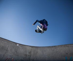 Mural Skater en el Aire