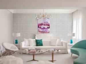 Squares Pink wallpaper