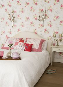 Winter poppies pink wallpaper