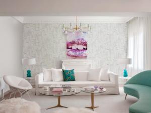 Arch Pink/Green wallpaper