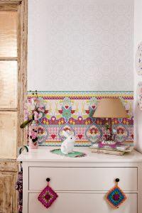 Catalina Estrada Wallpaper Daisy Fuchsia