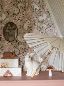 Magic Forest Pink wallpaper