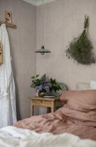 Molly´s Meadow Beige wallpaper