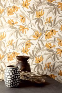 Julia Amber wallpaper