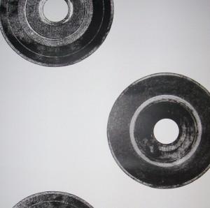 Long play black & white wallpaper