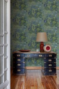 Claude Blue wallpaper