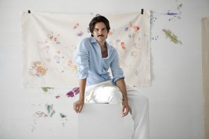 Mural Make-down White by Ernesto Artillo