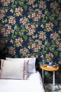Flowery Black wallpaper