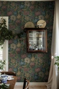 Nightingale Garden MGrey wallpaper