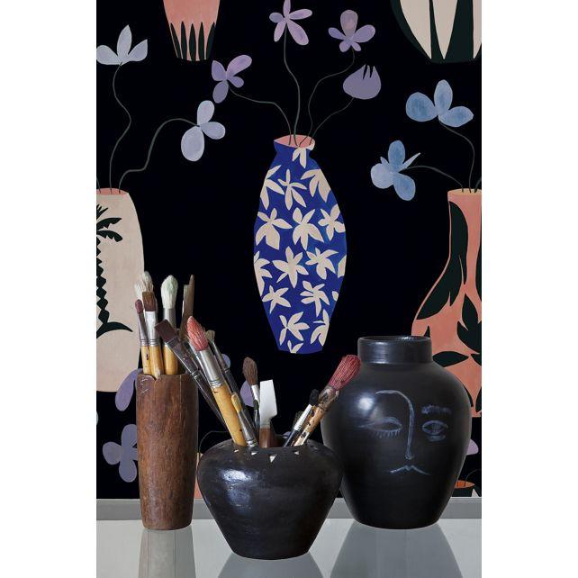 Vase Paradise Black wallpaper by Lydia Delgado